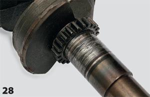 Перенос металла на коленвал в месте подшипника скольжения крышки стартера