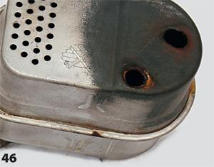 Разрушение отверстий крепления глушителя