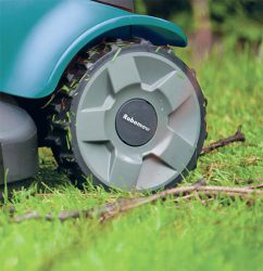 Робот газонокосилка колеса большие ведущие