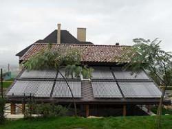 В качестве теплогенераторов выступают восемь солнечных коллекторов Vitosol 300