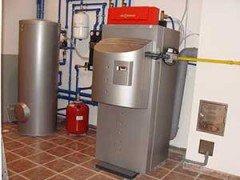 Тепло дает газовый конденсационный котёл Viessmann Vitocrossal 300 мощностью 87 кВт