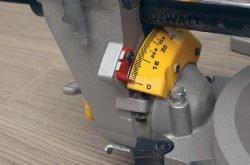 DeWALT DWS780 пила торцовочная торцовочно усовочная протяжка углы регулировка