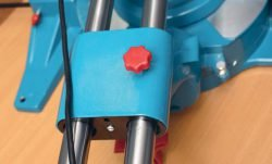 Кратон MS 1900 305 пила торцовочная с протяжкой торцовочно усовочная протяжка направляющие винт фиксатор