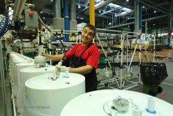 Заполнение водонагревателя теплоизолирующей полиуретановой пеной