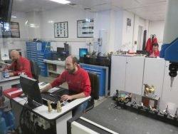 Tiemme Gnutti Cirillo пресс формы штамп матрица облой снятие оборудование инструмент фабрика завод Lumezzane Italy Лумедзане Италия