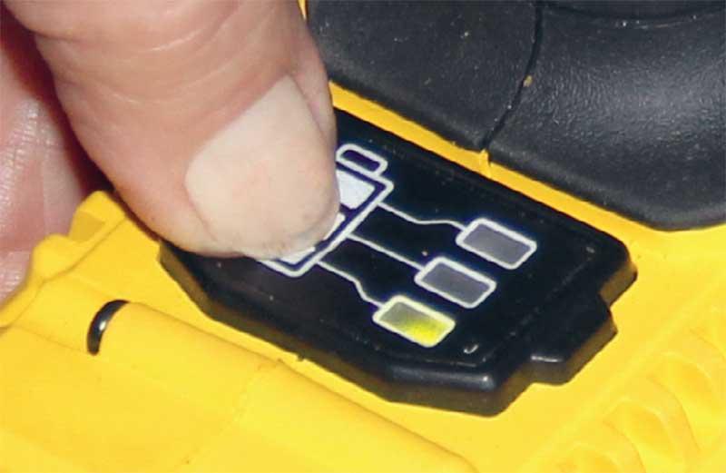 Stanley STDC18LHBK: заряд аккумулятора