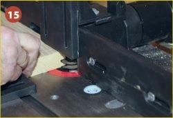 Установка фрезера Triton TRA001 во фрезерный стол Jet JRT‑2. Подготовка к фрезерованию