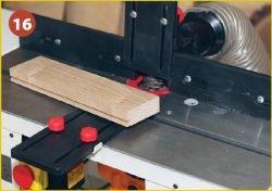 Установка фрезера Triton TRA001 во фрезерный стол Jet JRT‑2. Результат – доска с пазом