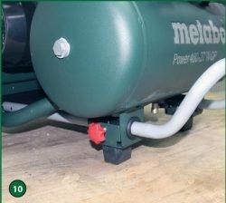 Metabo Power 400-20 W OF – компрессор поршневой одноступенчатый безмасляный. Маховичок-фиксатор