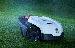 Husqvarna Automower 105 - робот-газонокосилка