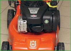 Husqvarna LC 140, 140S – бензиновые газонокосилки с шириной кошения 40 см. Двигатель Briggs&Stratton 450E-Series