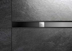 душевые лотки Advantix с панелями из стали