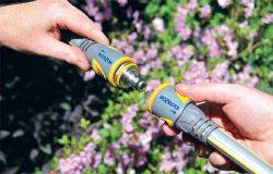 Соединение шлангов друг с другом и с различными устройствами с помощью быстросъёмных фитингов