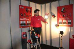 Milwaukee M12 AL фонарь светодиодный аккумуляторный 2017 Берлин конференция