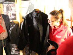 Milwaukee Hooded Jacket Black куртка бомбер подогрев 2017 конференция Берлин