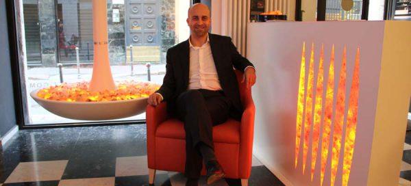 Fabio Vannini Vanixa Италия Фабио Ваннини генеральный директор мебель эмоциональная огонь угли тлеющие эффект фальш камин