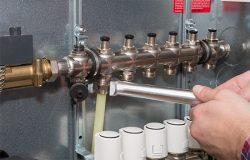 Монтаж труб с помощью резьбовых фитингов