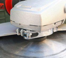 Аккумуляторная болгарка Metabo WPB 36 18 LTX BL 230 защитный кожух поворот