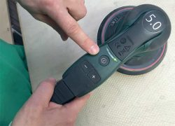 Орбитальная шлифмашина Metabo SXE 150 5 0 BL кнопка включения клавиши регулировки частоты вращения пуск
