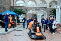 Husqvarna RC 318T райдер травосборник Хускварна дилерская конференция 2018