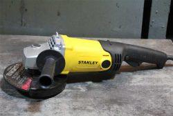 углошлифовальная машина болгарка Stanley SGM146