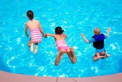 Средства для воды в бассейне