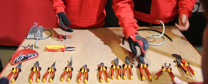 Milwaukee инструмент шарнирно губцевые диэлектрические VDE пассатижи клещи кусачки конференция 2018 Копенгаген