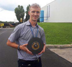 завод Klingspor в Польше производство шлифовальных лент кругов абразвных