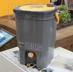 Hozelock Fertilizer устройство для приготовления и внесения органических удобрений