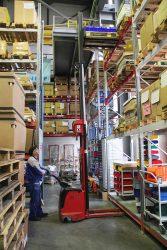 Штабелёр для склада сервисный центр ремонт запчасти