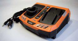 AEG BLK 1218 зарядное устройство универсальное двухслотовое