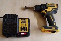 батарея аккумулятор DeWALT XR зарядное устройство