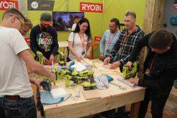 Конференция Ryobi 2019 Лондон One+ DIY лобзик ленточный напильник термоклеевой пистолет степлер