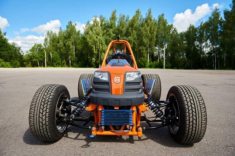 Wild Clara Дикая Клара Husqvarna kuvalda ru самый быстрый трактор газонокосилка