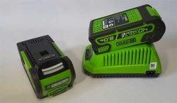 Greenworks GD40TCS Батареи и зарядное устройство