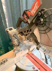 Milwaukee M18 Fuel FMS305 Милуоки аккумуляторная торцовочная пила тест работа мешок пылесборник