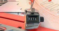 Milwaukee M18 Fuel FMS305 Милуоки аккумуляторная торцовочная пила тест счетчик рез пропил