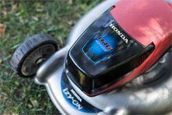 Аккумуляторная газонокосилка Honda
